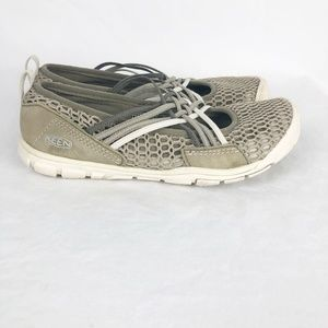 Keen Size 7.5 Slip on Mary Janes